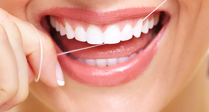 benefits of flossing blog image
